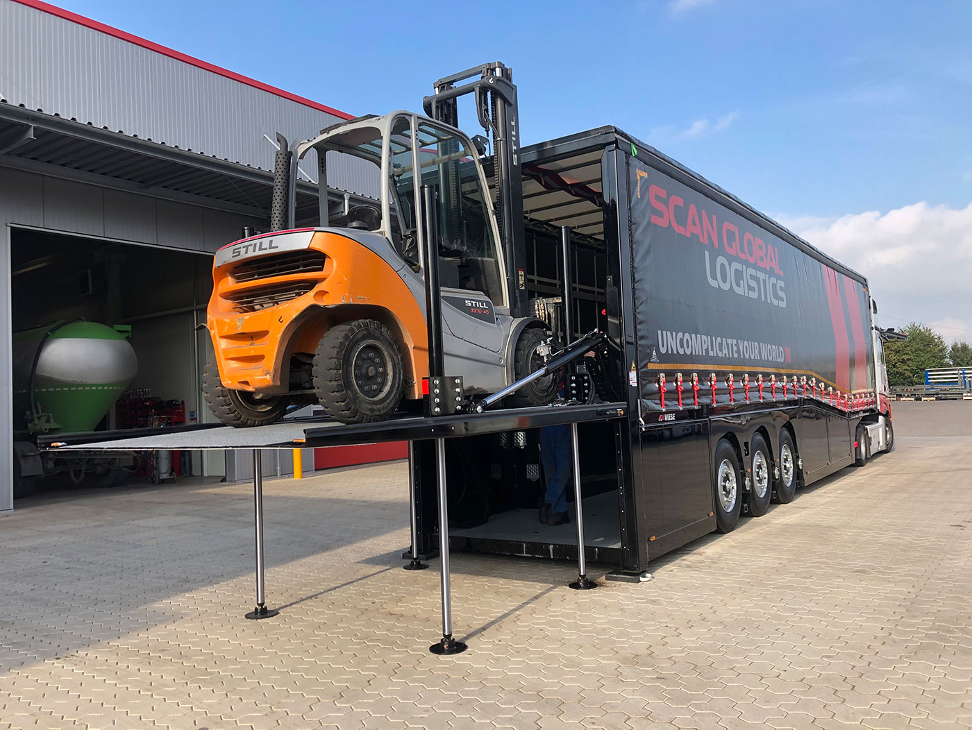 Gabelstaplertransporte für Scan Global Logistics